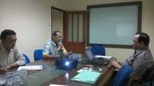 Rapat pengurus IAAW, yang dihadiri oleh: Kiri; Marsma TNI (Purn) Mahadi SW, Marsdya TNI (Purn) Wresniwiro,SE,MM., Marsma TNI (Purn) H.Juwono Kolbioen.