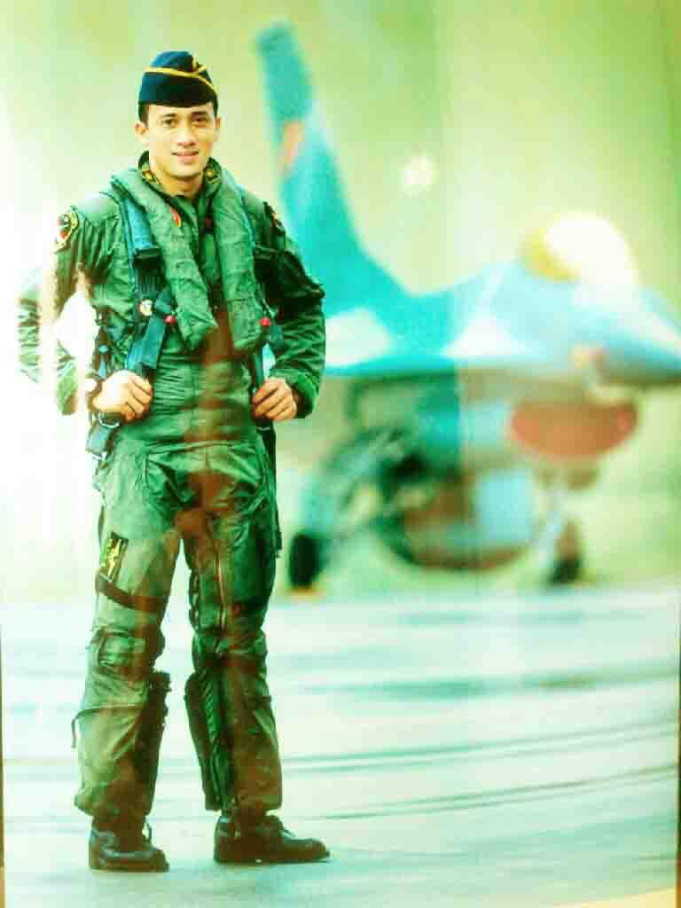 ANJAR LEGOWO PILOT F-16